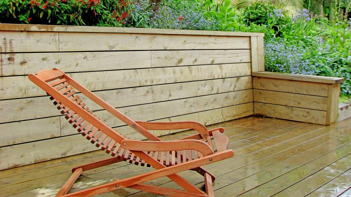 Tongue and groove timber retaining wall